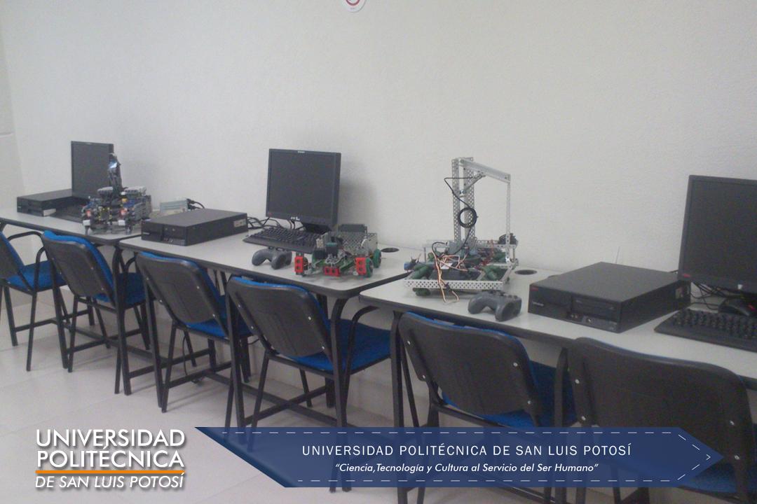Área de desarrollo y programación de robots.