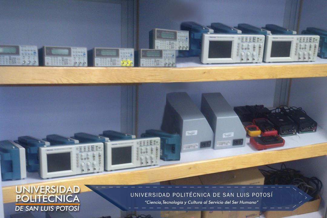 Generadores de función, osciloscopios, fuentes conmutadas y multímetros