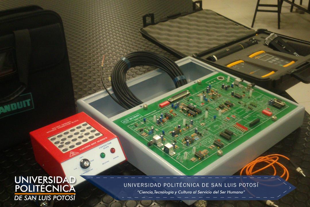 Herramienta y equipo de experimentación para fibras ópticas