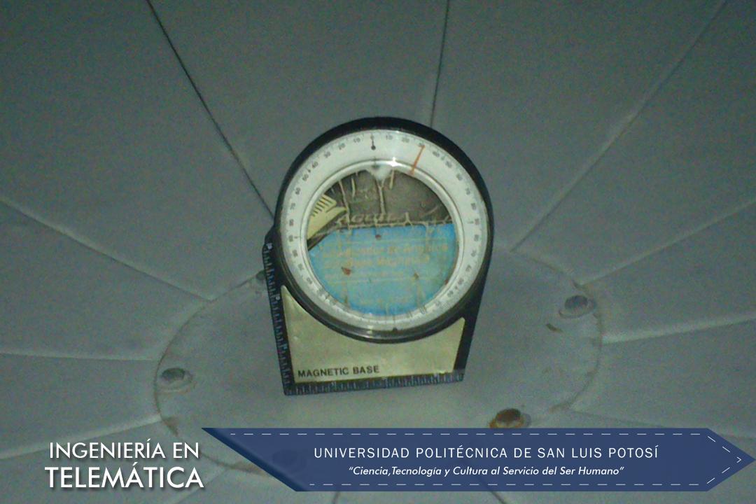 Inclinómetro para orientación de la antena